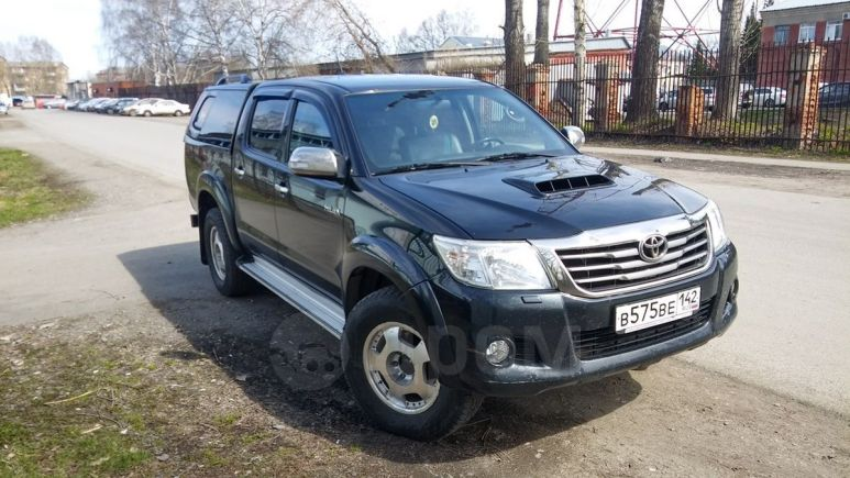 Toyota Hilux Pick Up, 2012 год, 1 210 000 руб.