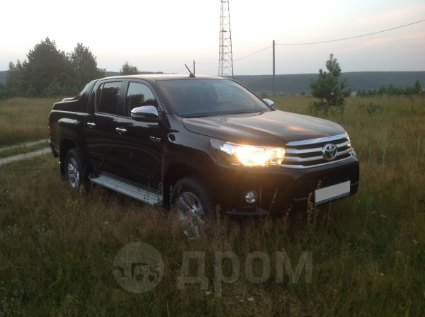 Toyota Hilux Pick Up, 2015 год, 1 950 000 руб.
