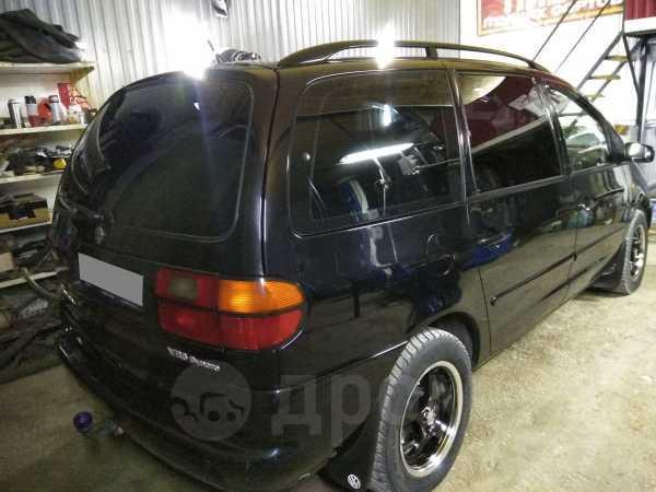 Volkswagen Sharan, 1998 год, 300 000 руб.