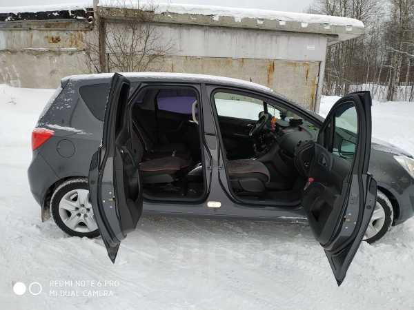Opel Meriva, 2011 год, 500 000 руб.