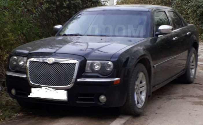Chrysler 300C, 2006 год, 750 000 руб.