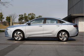 Конкурент Tesla Model 3 от Geely выходит на рынок (пока только китайский)