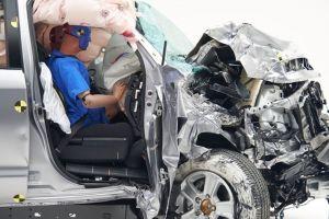 Пикап Toyota Tundra провалил в США краш-тест