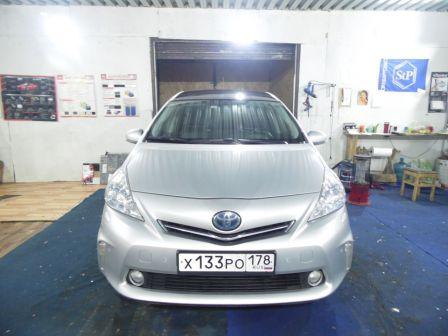 Toyota Prius v 2013 - отзыв владельца