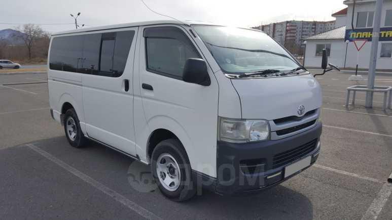 Toyota Hiace, 2009 год, 525 000 руб.