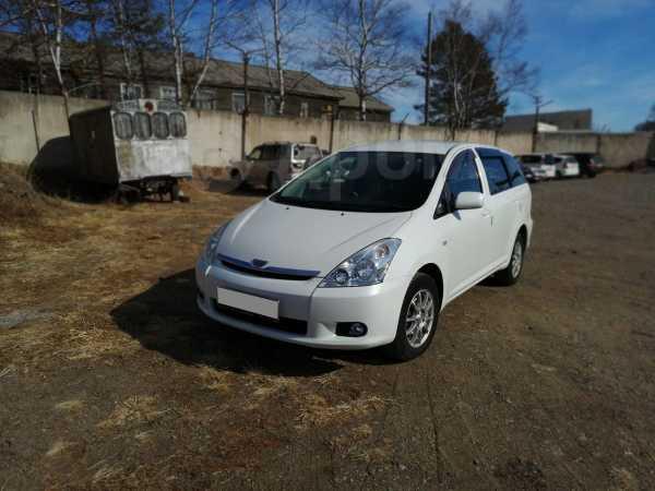 Toyota Wish, 2003 год, 490 000 руб.