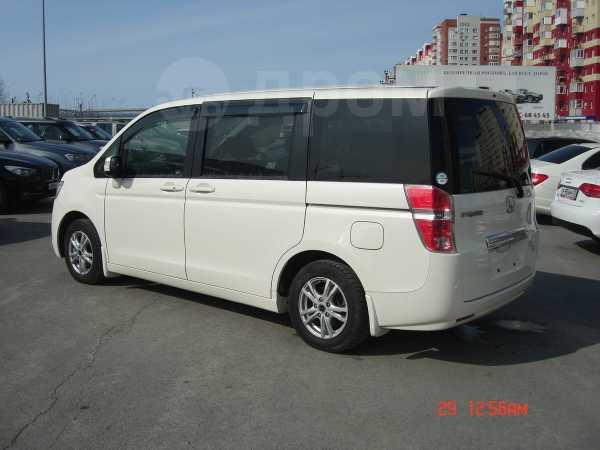 Honda Stepwgn, 2011 год, 998 000 руб.