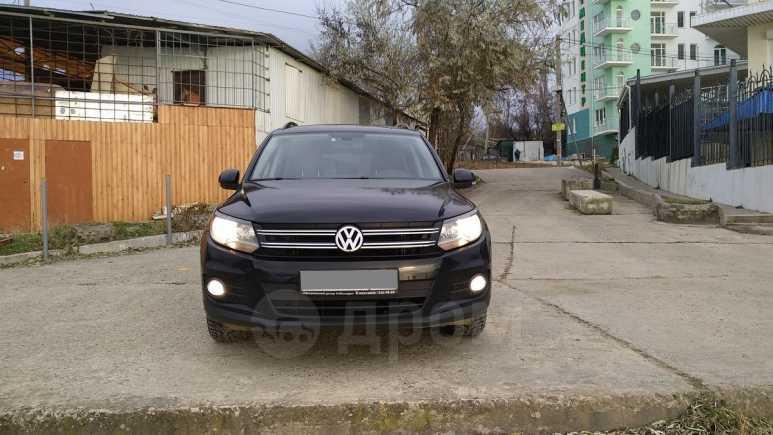 Volkswagen Tiguan, 2012 год, 699 999 руб.