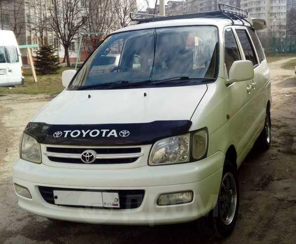 Toyota Town Ace Noah, 2001 год, 440 000 руб.