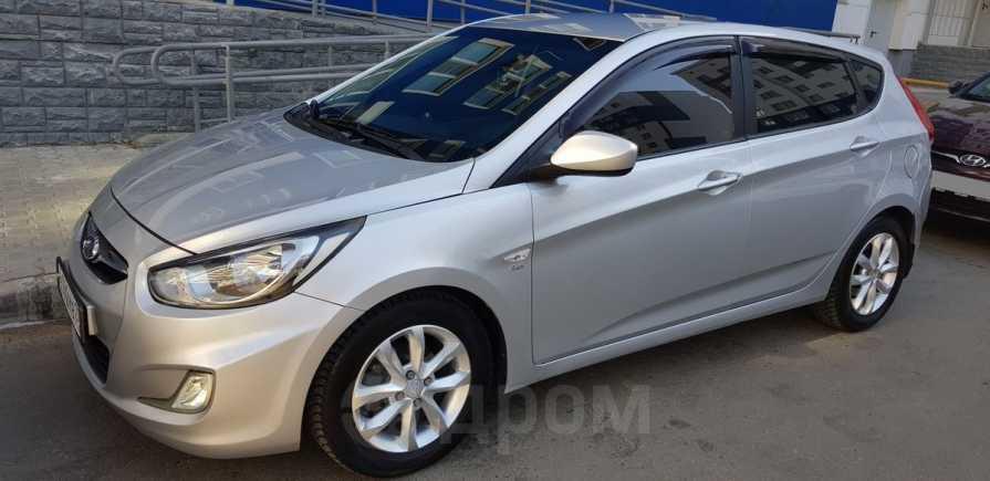 Hyundai Solaris, 2011 год, 383 000 руб.