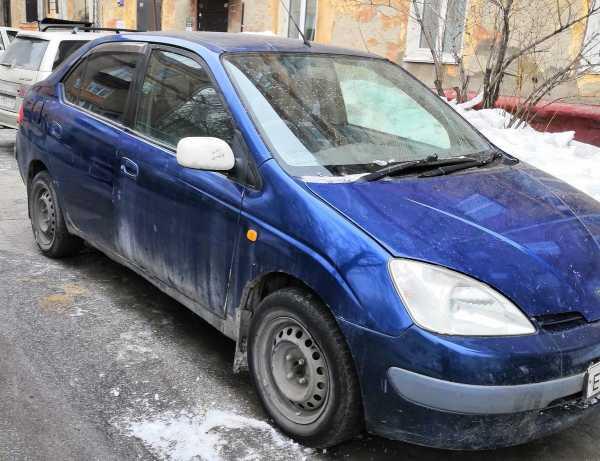 Toyota Prius, 1998 год, 75 000 руб.