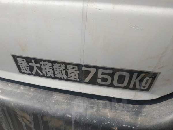 Toyota Town Ace Noah, 2001 год, 209 000 руб.