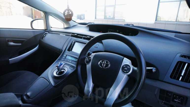 Toyota Prius, 2011 год, 760 000 руб.