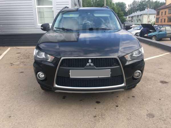 Mitsubishi Outlander, 2013 год, 695 000 руб.