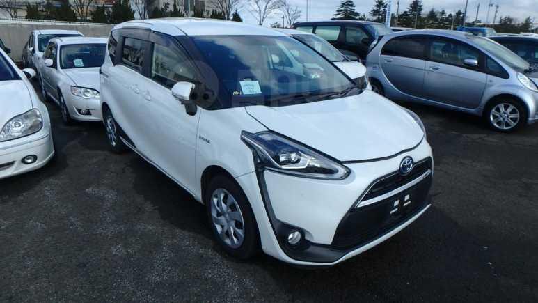 Toyota Sienta, 2016 год, 985 000 руб.