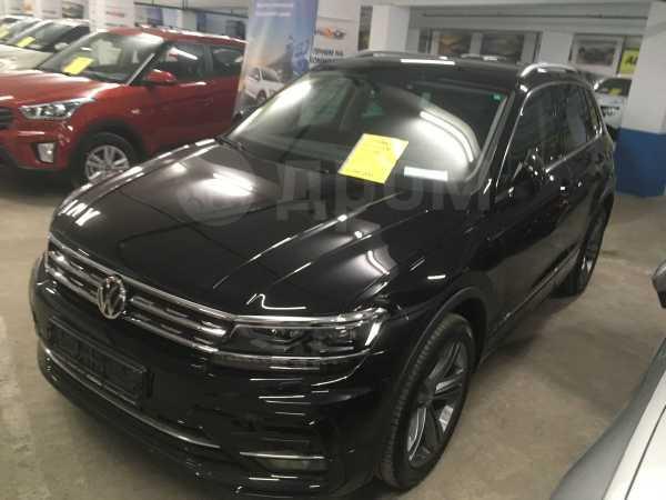 Volkswagen Tiguan, 2019 год, 2 390 000 руб.