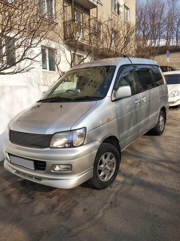 Toyota Town Ace Noah, 2001 год, 465 000 руб.