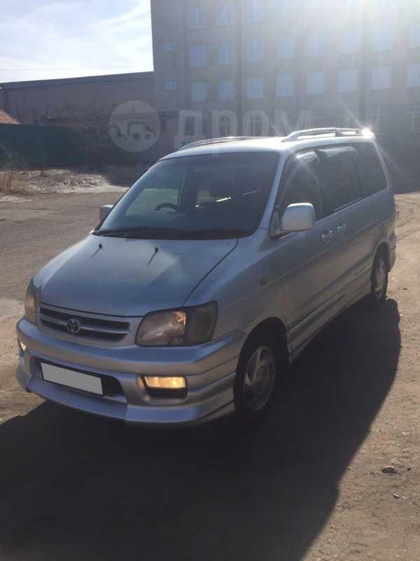 Toyota Town Ace Noah, 2001 год, 470 000 руб.