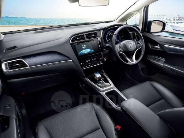 Honda Shuttle, 2015 год, 948 000 руб.