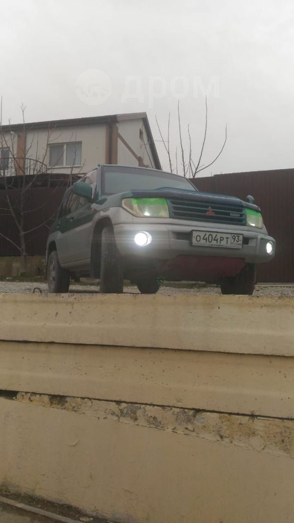 Mitsubishi Pajero iO, 2000 год, 290 000 руб.