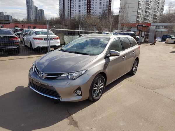 Toyota Auris, 2014 год, 1 360 000 руб.