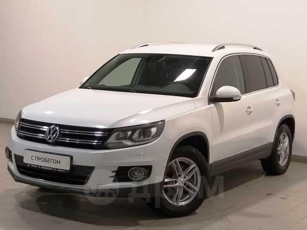 Volkswagen Tiguan, 2015 год, 998 000 руб.