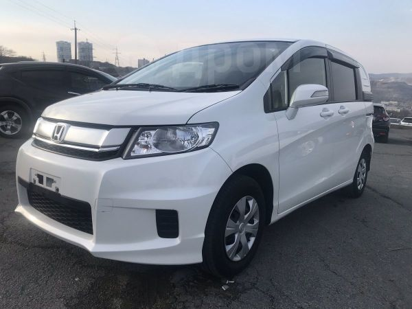 Honda Freed Spike, 2015 год, 710 000 руб.