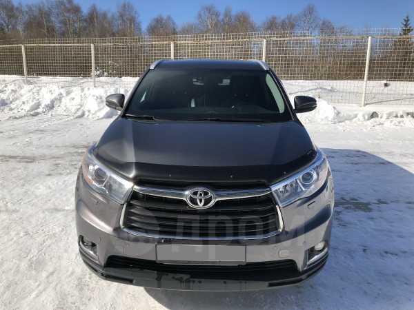 Toyota Highlander, 2015 год, 2 100 000 руб.