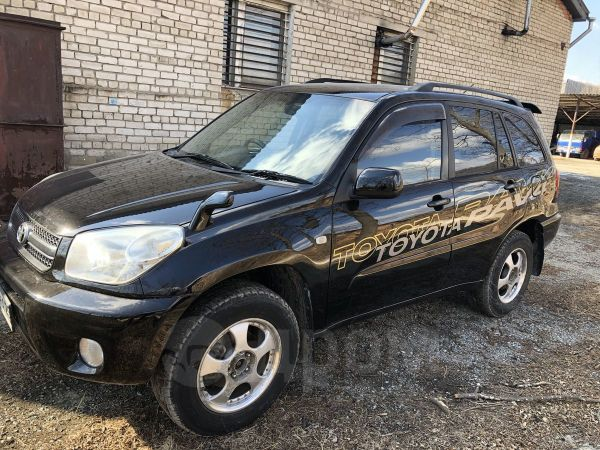 Toyota RAV4, 2004 год, 590 000 руб.