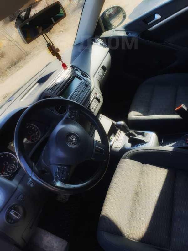 Volkswagen Tiguan, 2012 год, 835 000 руб.