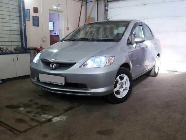 Honda Fit Aria, 2003 год, 295 000 руб.
