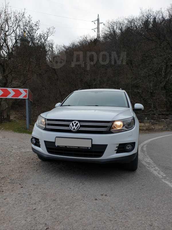 Volkswagen Tiguan, 2016 год, 1 400 000 руб.