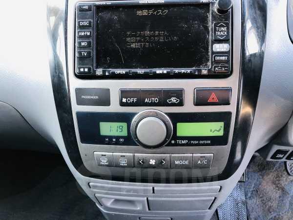 Toyota Ipsum, 2003 год, 125 000 руб.