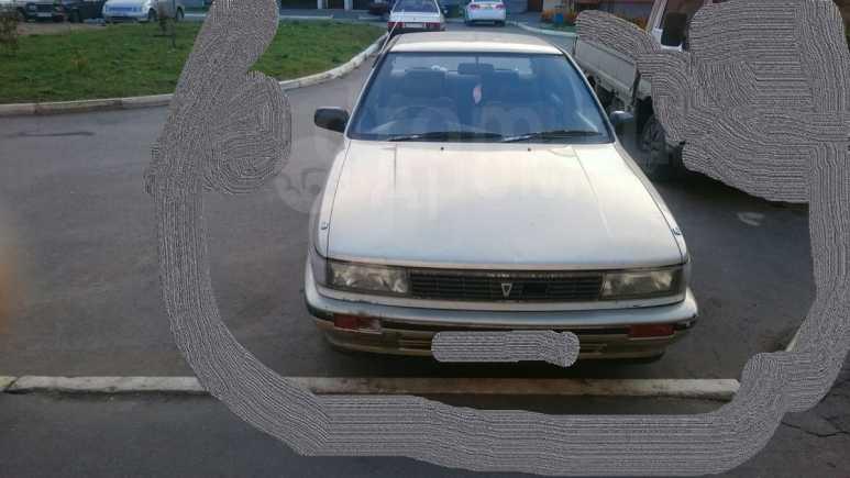 Nissan Bluebird, 1988 год, 39 000 руб.