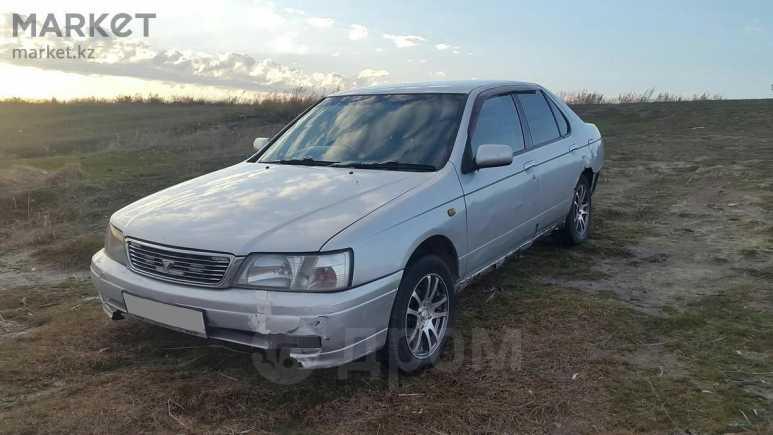 Nissan Bluebird, 1994 год, 100 000 руб.