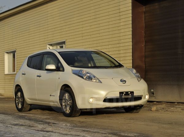 Nissan Leaf, 2015 год, 880 000 руб.