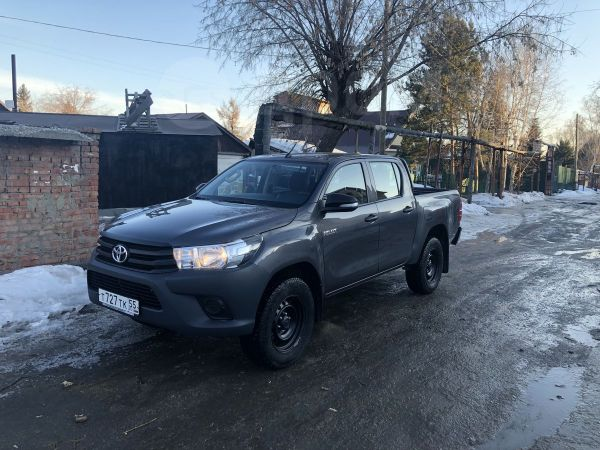 Toyota Hilux Pick Up, 2016 год, 1 550 000 руб.