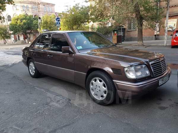 Mercedes-Benz E-Class, 1993 год, 950 000 руб.