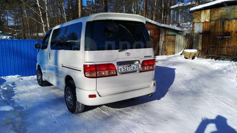 Toyota Regius, 2001 год, 700 000 руб.