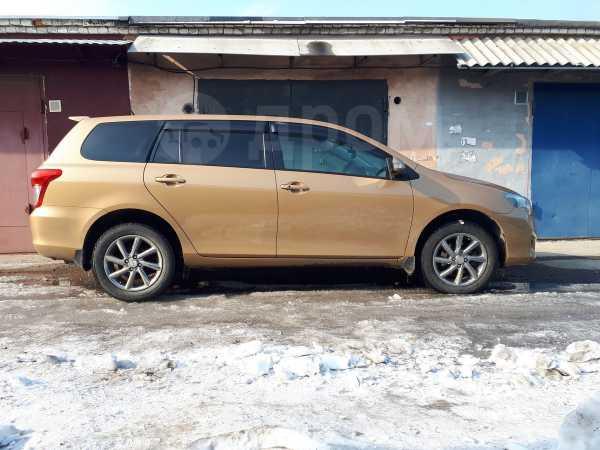 Toyota Corolla Fielder, 2012 год, 695 000 руб.
