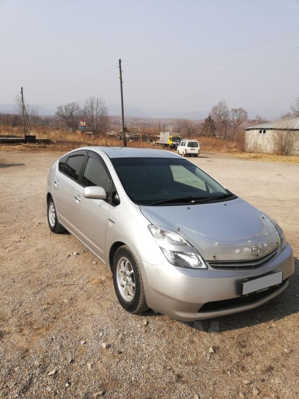 Toyota Prius, 2011 год, 582 000 руб.