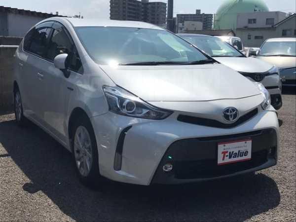 Toyota Prius a, 2015 год, 990 000 руб.