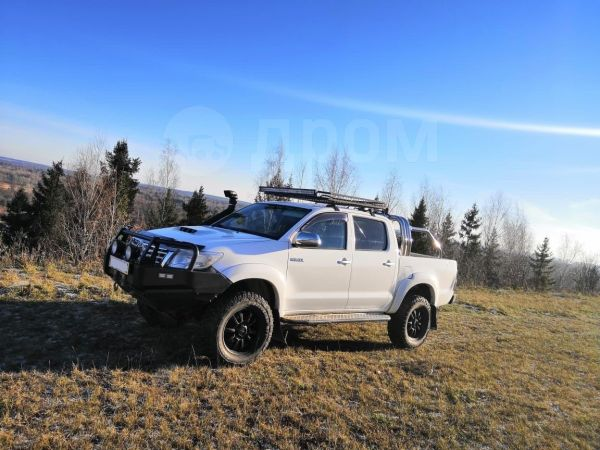 Toyota Hilux Surf, 2012 год, 1 350 000 руб.