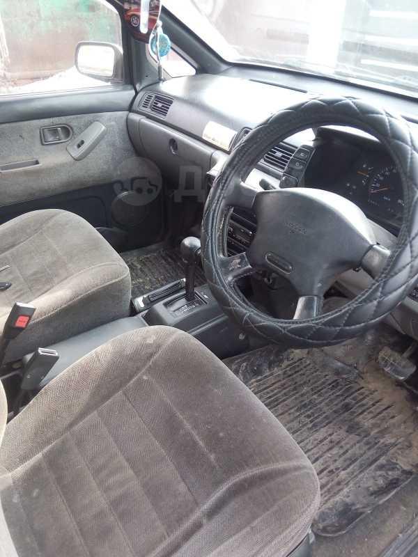 Nissan Prairie, 1992 год, 114 000 руб.