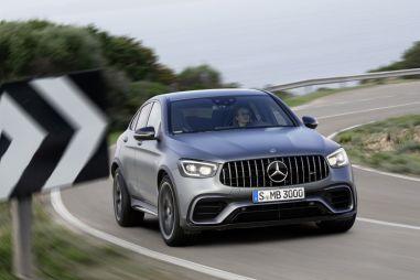 Кроссоверы Mercedes-AMG GLC 63 получили современную «мультимедийку» и обновленную внешность