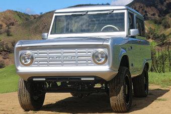 Многие элементы отличаются от оригинала, но не узнать Ford Bronco невозможно