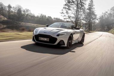 Aston Martin представил свой быстрейший кабриолет DBS Superleggera Volante с V12 под капотом
