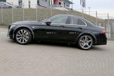 Mercedes-Benz выкатил на тесты странный прототип
