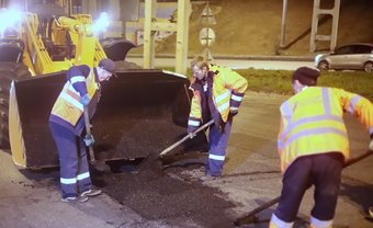 Пока дорожники ведут восстановительный ремонт, а к капитальному приступят в мае.
