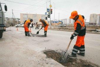 Работы проводят не только в центре, но и на окраинах города.